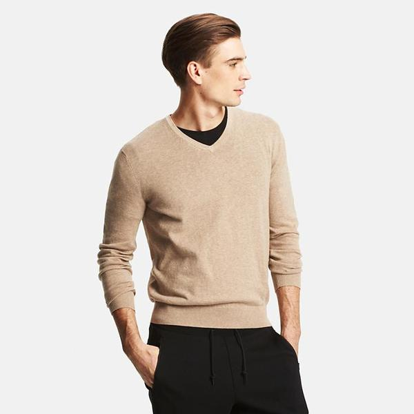 Men-cotton-cashmere-v-neck-sweater_grande